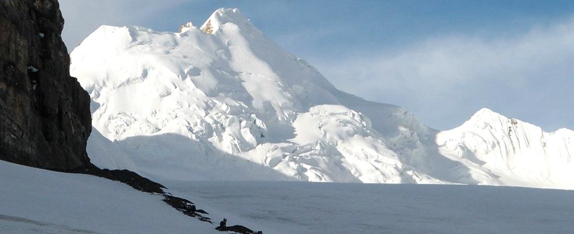 Saribung Peak (6,345m)