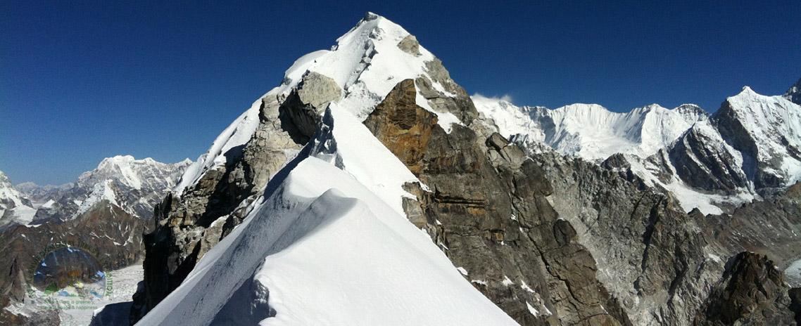 Singu Chuli (Fluted) Peak Climbing