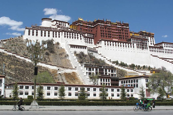 Tibet Open for Foreign Tourists