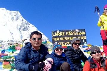 Larkya La peak climbing