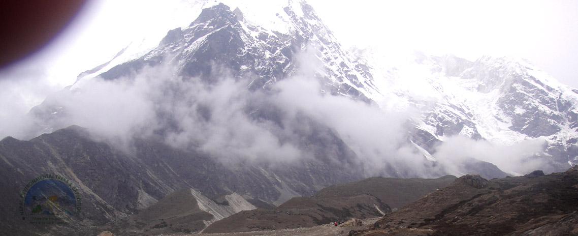 Makalu Base Camp Trek (Mt. Makalu 8463m.)